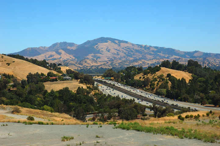Mt Diablos Summit Is 3849 Feet Above Sea Level And Ranges Over 20000 Acres Making This One Of The Most Popular Sites In Contra Costa County